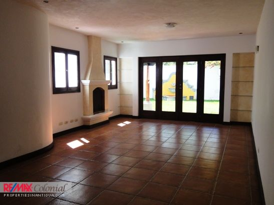 2897 AMPLE HOUSE FOR RENT IN PANORAMA