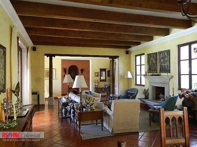 4081 COLONIAL STYLE HOME FOR SALE IN CENTRAL ANTIGUA