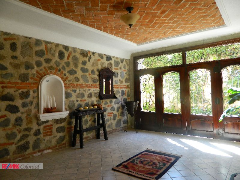 4480 AMPLE HOUSE FOR RENT IN LAS GRAVILEAS, ANTIGUA GUATEMALA