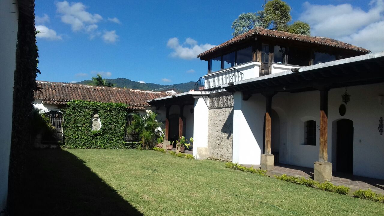 543 COLONIAL HOUSE FOR SALE IN ANTIGUA GUATEMALA