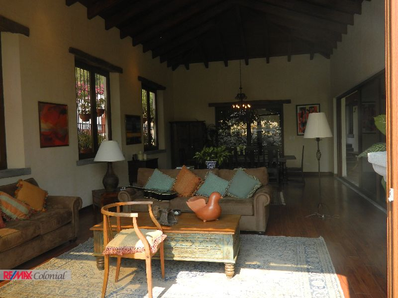4497 HOME FOR RENT IN CENTRAL ANTIGUA GUATEMALA (Furnished) ***Check Availability***