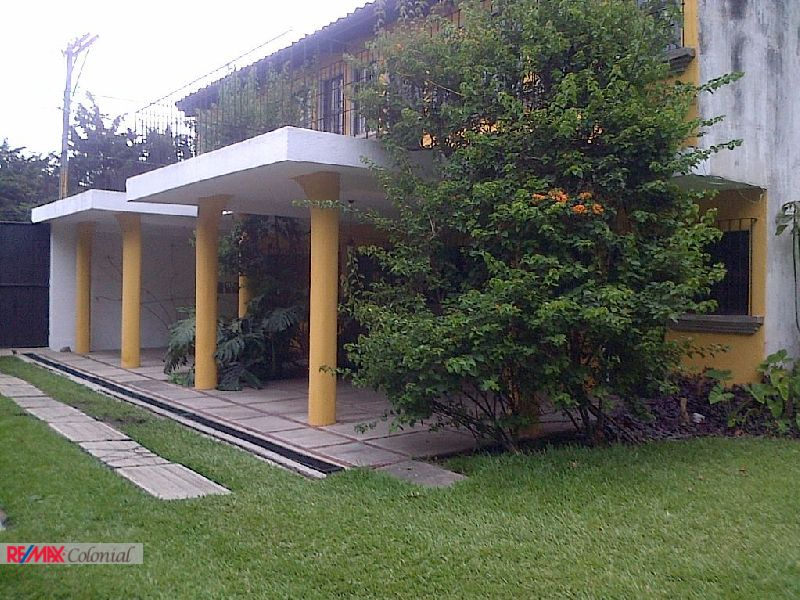4503 HOUSE WITH A BIG GARDEN IN SAN ISIDRO JOCOTENANGO