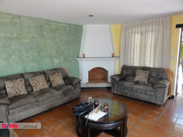 4473 WELL LOCATED APARTMENT FOR SALE IN CENTRAL ANTIGUA