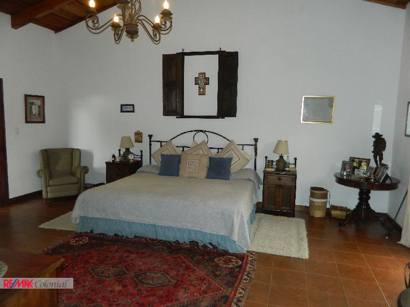 2065 HOME FOR RENT CLOSE TO EL CALVARIO AREA (Furnished)