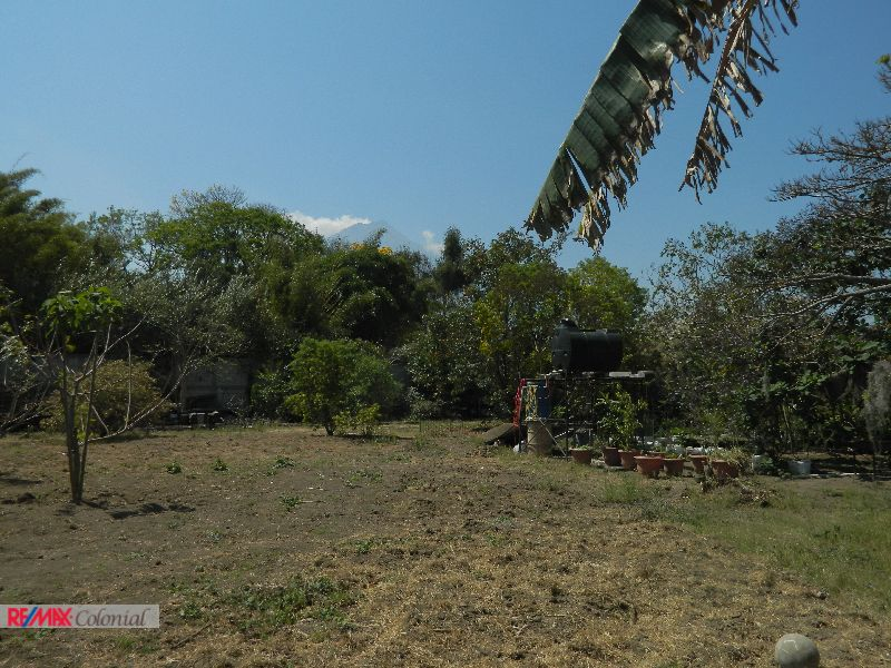 4488 COMMERCIAL LAND FOR RENT IN ANTIGUA GUATEMALA