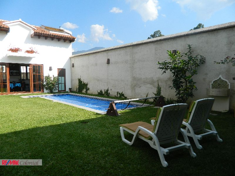 4475 WELL DESIGN APARTMENT FOR RENT IN ANTIGUA GUATEMALA