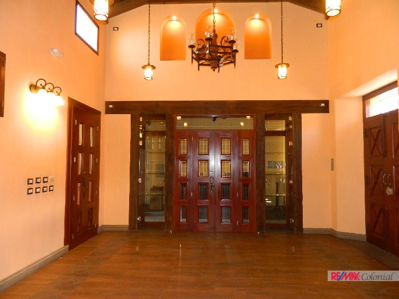 4474 COMMERCIAL SPACE FOR RENT IN ANTIGUA GUATEMALA