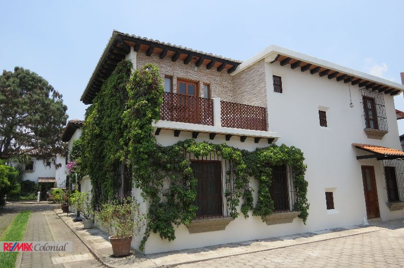 3861 HOUSE FOR RENT CLOSE TO CALZADA SANTA LUCIA,  ANTIGUA GUATEMALA