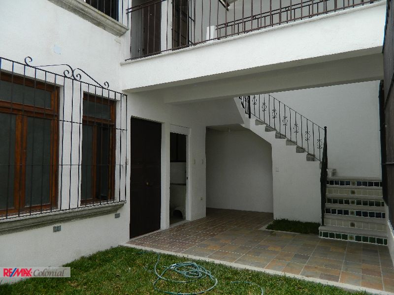2299 SINGLE APARTMENT FOR RENT NEAR CALLE ANCHA, ANTIGUA GUATEMALA