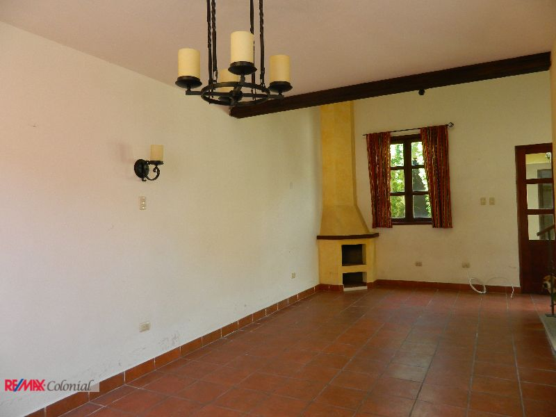 4514 HOUSE FOR RENT IN JOCOTENANGO, ANTIGUA GUATEMALA