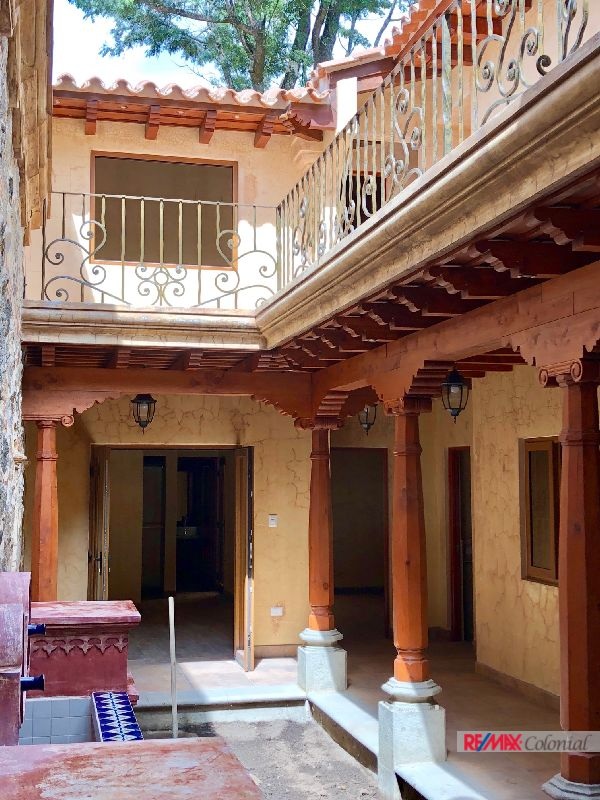 4546 HOUSE FOR RENT IN CENTRAL ANTIGUA, GREAT LOCATION