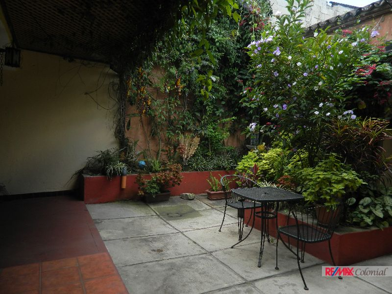 4553 HOUSE FOR RENT  IN CENTRAL OF ANTIGUA GUATEMALA