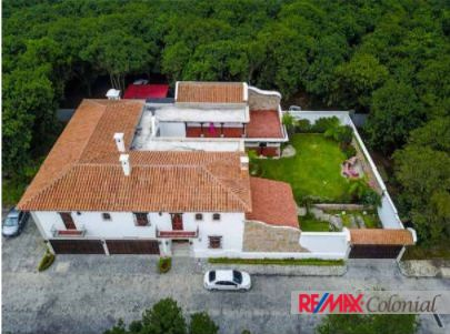 4565 LUXURY HOME CLOSE TO ANTIGUA GUATEMALA