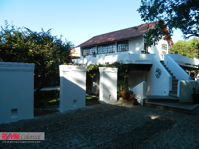 4611 COZY HOUSE FOR SALE IN SAN PEDRO EL ALTO, ANTIGUA GUATEMALA