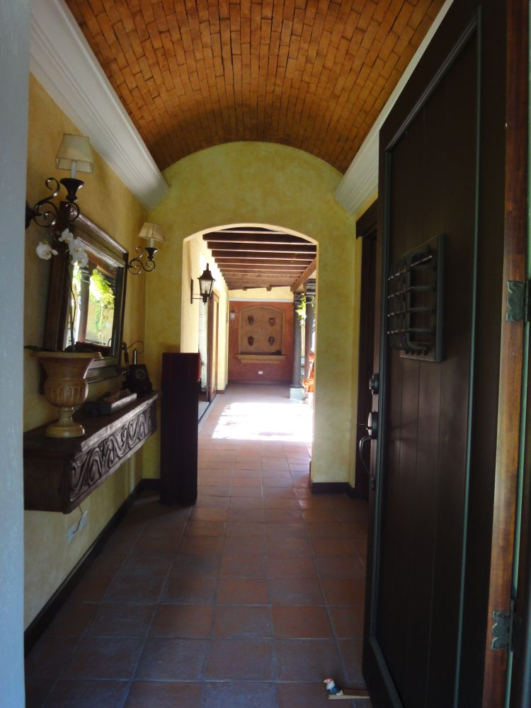 2852  HOUSE FOR RENT IN THE CENTER OF ANTIGUA GUATEMALA