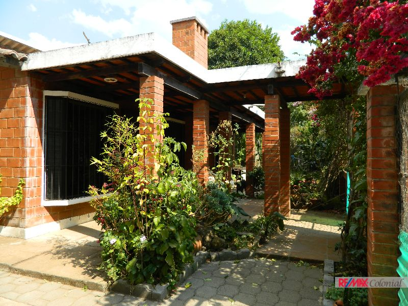 4631 COZY ONE LEVEL HOUSE FOR SALE IN CIUDAD VIEJA, SAC