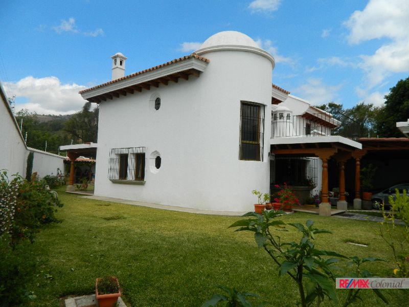 4645 RECENTLY NEW  HOUSE FOR SALE IN PANORAMA, ANTIGUA GUATEMALA