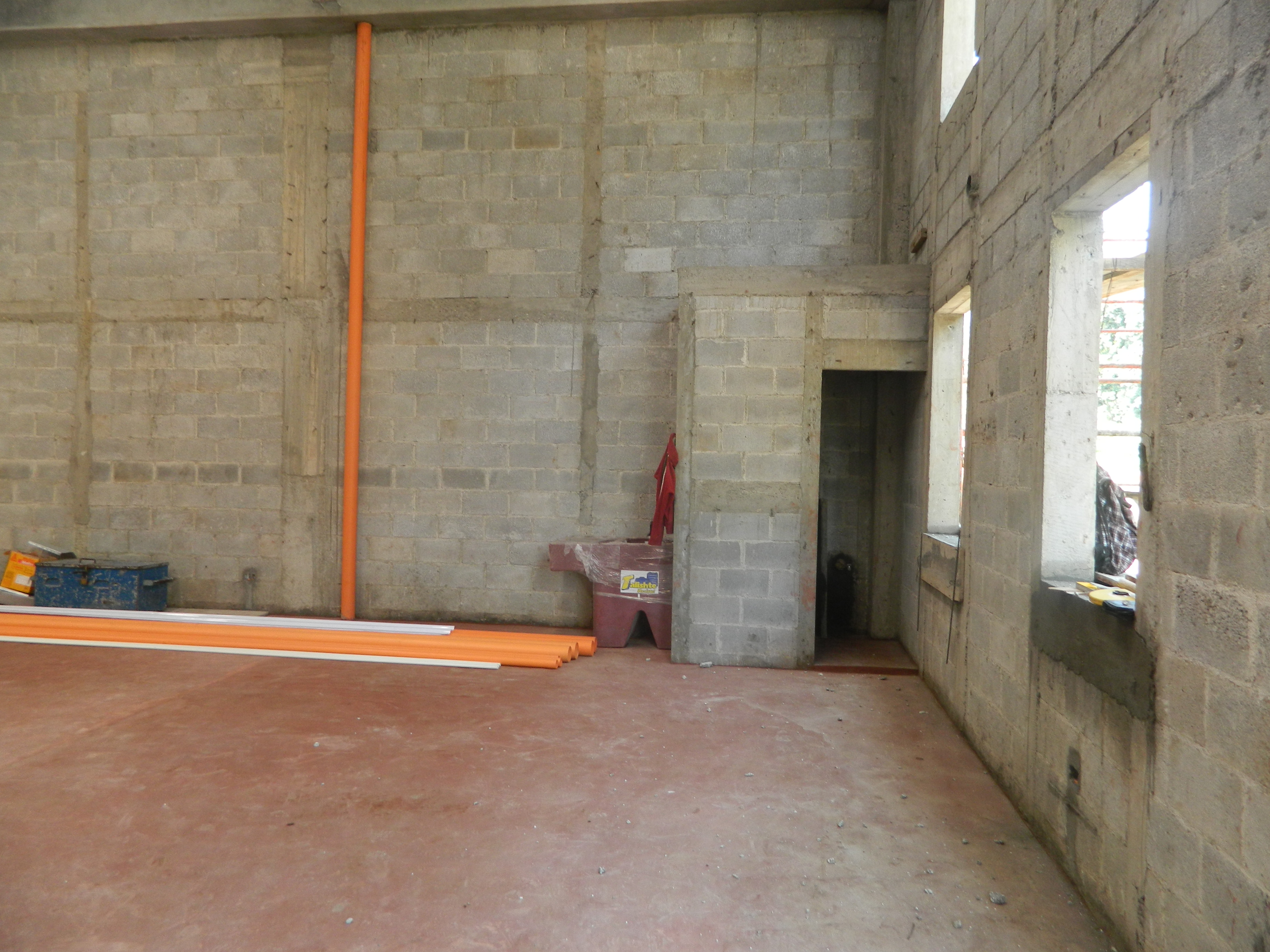 4660 WAREHOUSE FOR RENT CLOSE TO CENTRAL ANTIGUA (From: 17m2. Under construction)