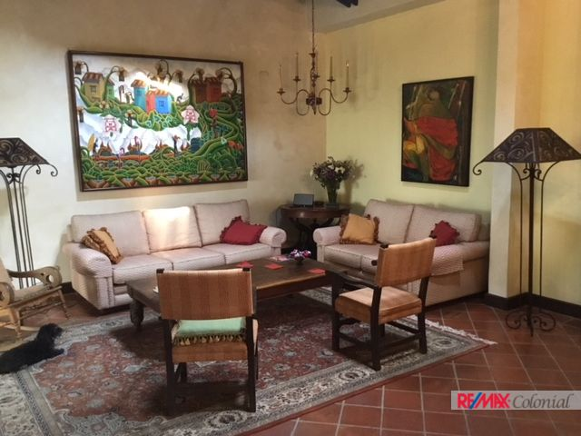 4652 COLONIAL HOUSE FOR RENT IN THE CENTER OF ANTIGUA
