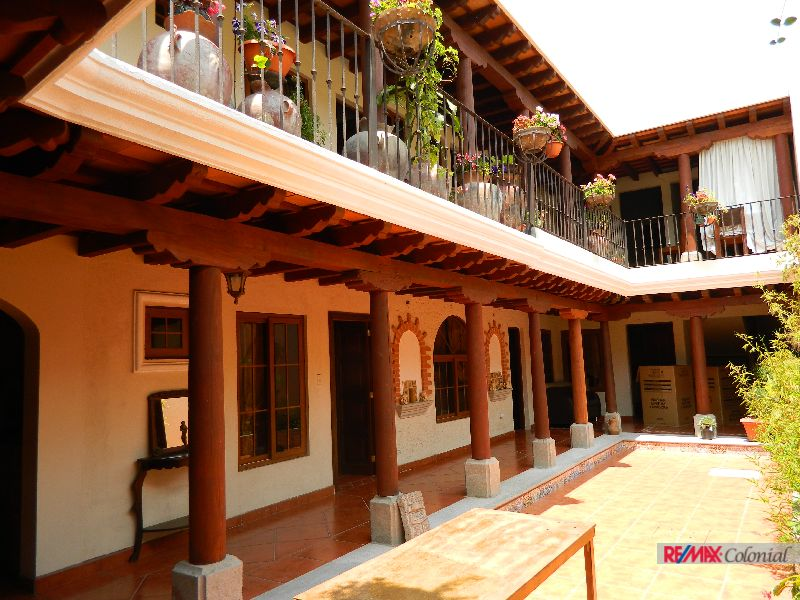4663 COMMERCIAL HOUSE, IDEAL FOR BOUTIQUE HOTEL, HOSTAL, GUEST HOUSE, OFFICE.