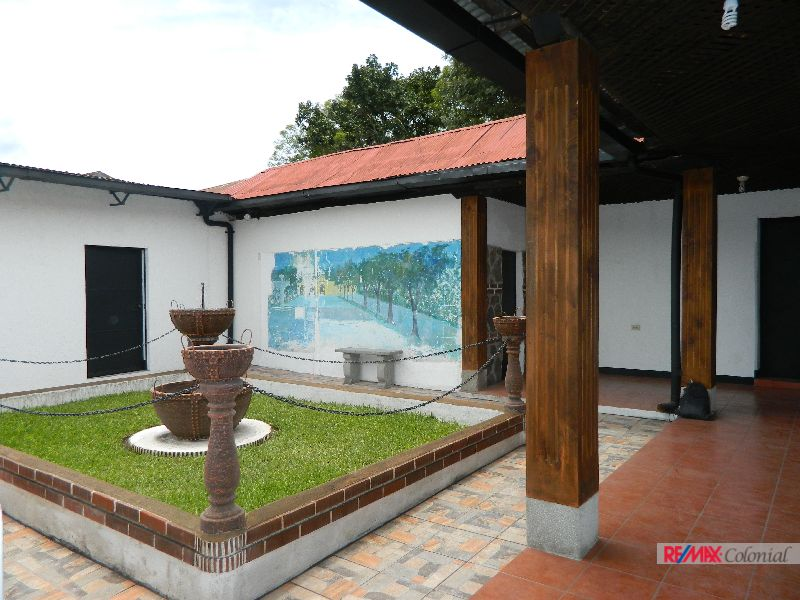 4682 COMMERCIAL HOUSE FOR RENT DOWNTOWN OF ANTIGUA GUATEMALA