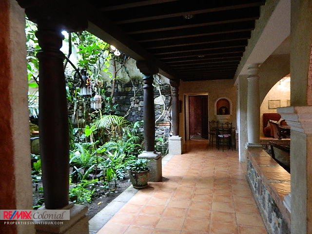 2278  SMALL HOUSE FOR SALE IN RESIDENCIALES GRAVILEAS, ANTIGUA GUATEMALA