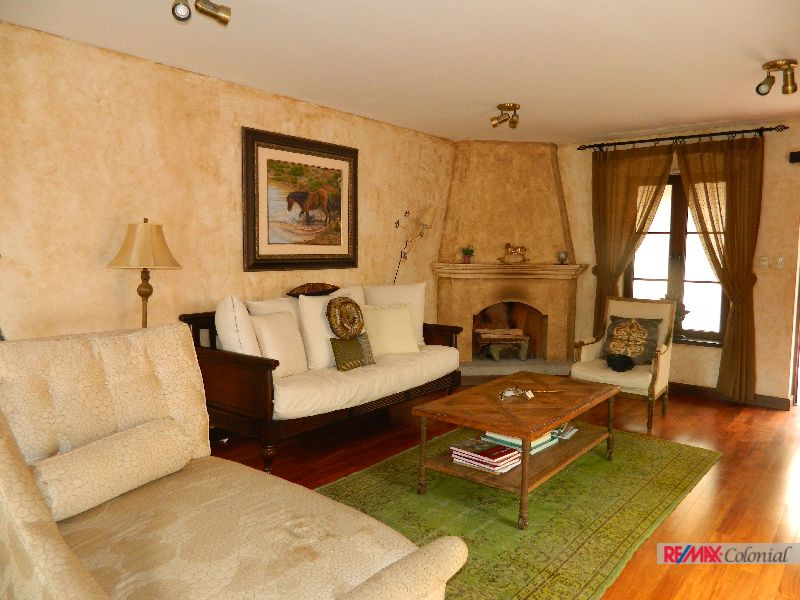 4689 BEATIFUL LOFT FOR SALE WALKING DISTANCE FROM ANTIGUA´S CENTRAL PARK