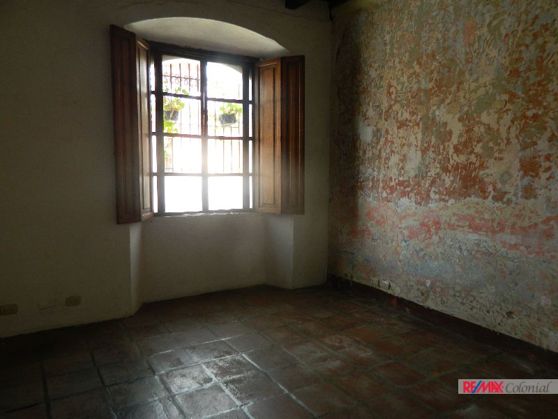 4692 OFFICE SPACE FOR RENT , IN THE CENTER OF ANTIGUA