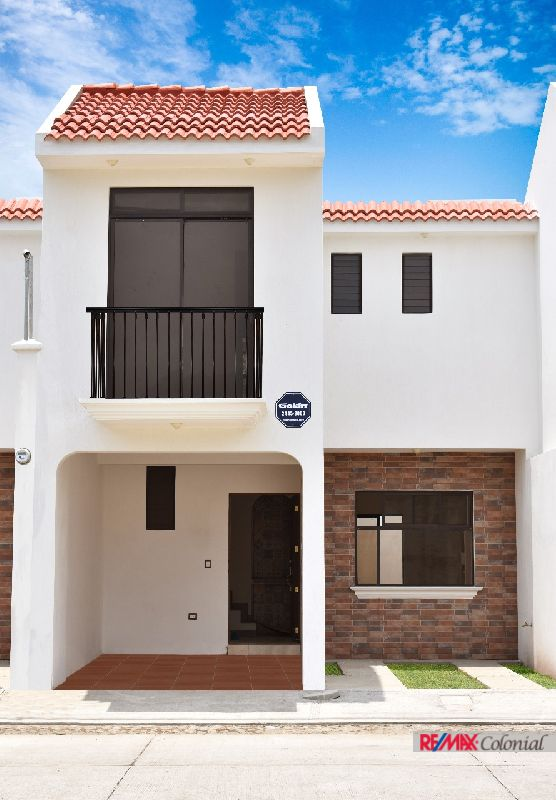 4690  3 BRAND NEW HOUSE IN A COMPLEX EN SAN MIGUEL DUEÑAS (As)