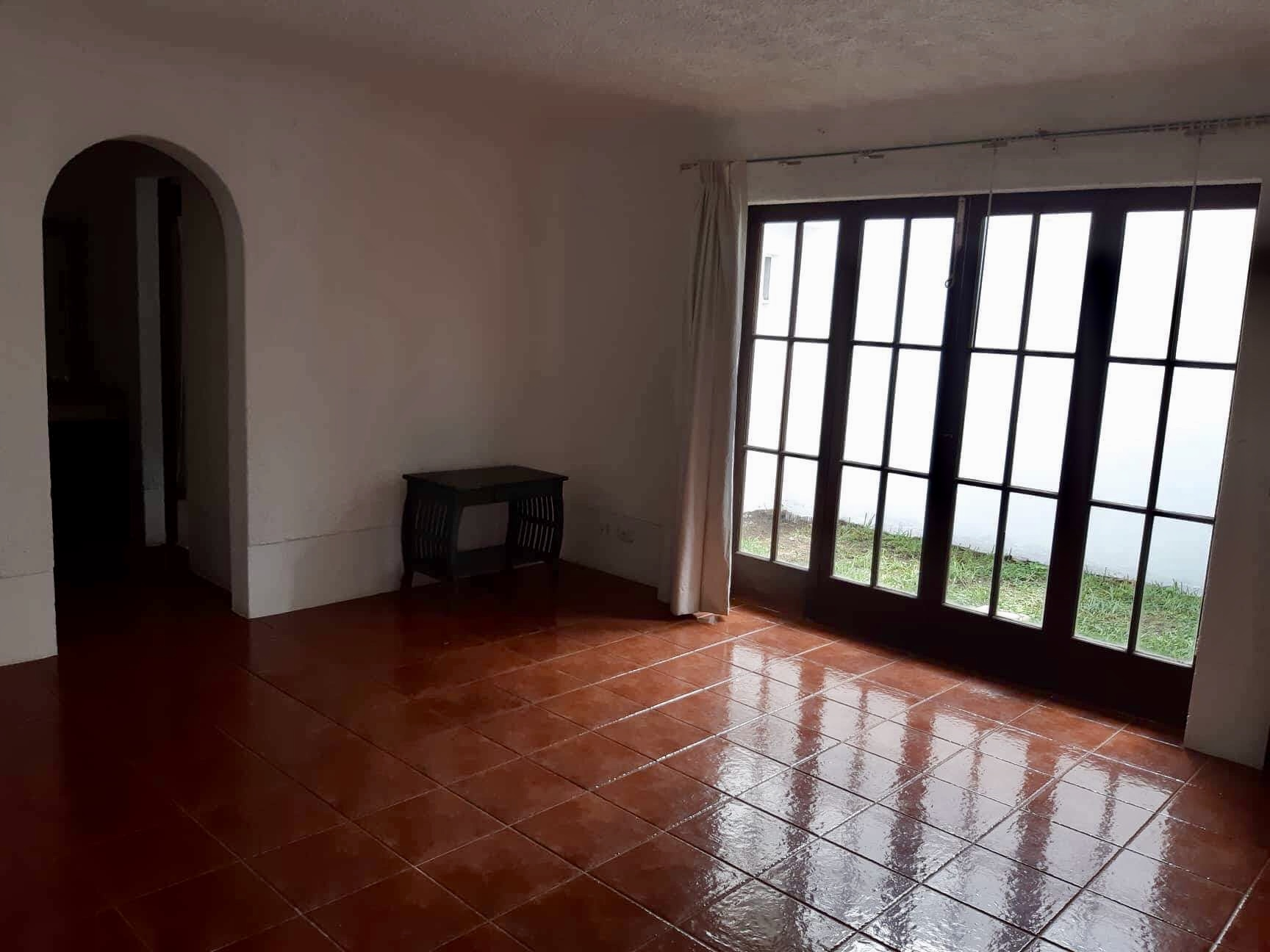 4677 BEAUTIFUL LOFT FOR RENT IN GRAVILEAS