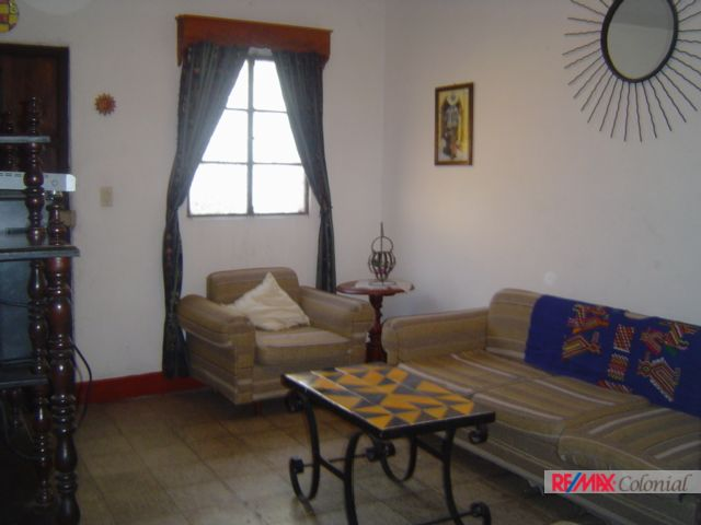 4700 APARTMENT FOR RENT IN SANTA ANA. (As)