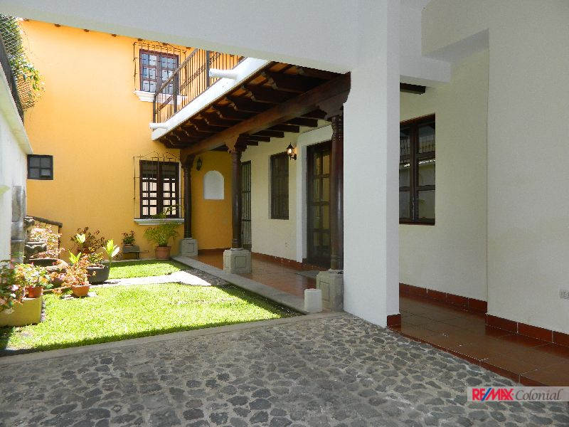 4711 HOUSE FOR RENT IN EL CALVARIO, ANTIGUA GUATEMALA
