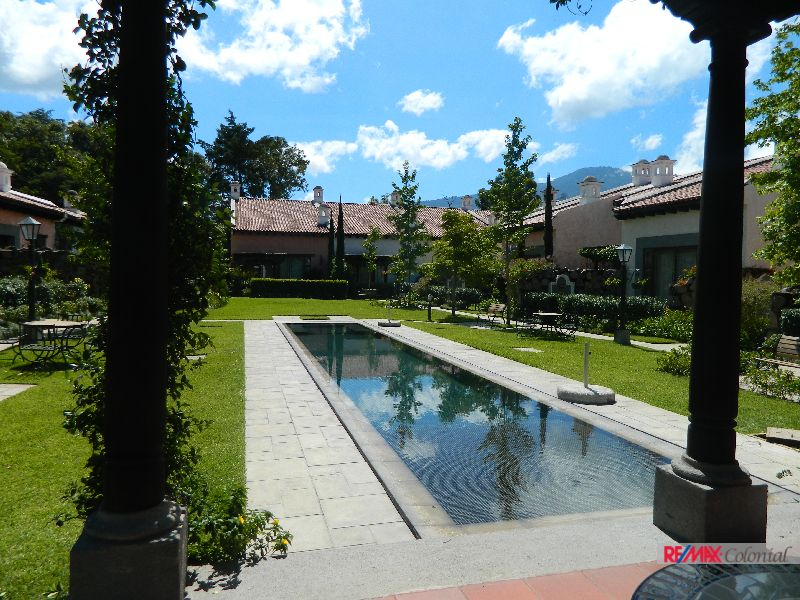 4715 BEAUTIFUL HOUSE FOR SALE IN EL MONASTERIO (228.23m2 Const)