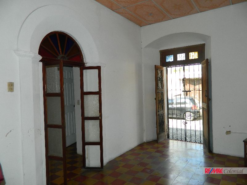 4733 COMMERCIAL PLACE IN ANTIGUA GUATEMALA