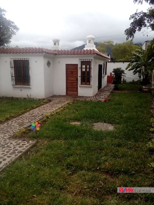 4753  A LITTLE NICE HOUSE IN ANTIGUA FOR RENT ( SAN PEDRO LAS HUERTAS. UNFIRNISHED )