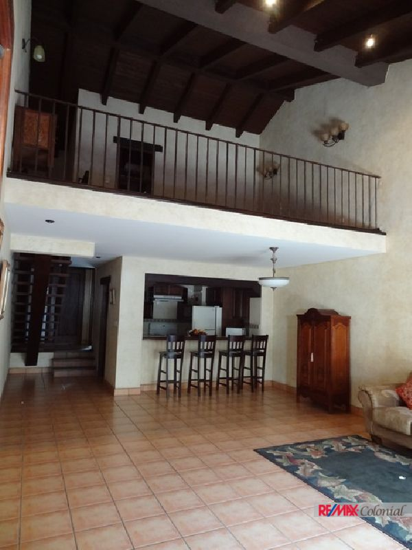 2336  WELL LOCATED  APARTMENT FOR SALE DOWNTOWN OF ANTIGUA GUATEMALA