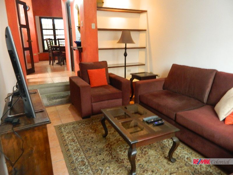 4778 HOUSE FOR RENT WALK-IN-DISTANCE TO THE CENTER OF ANTIGUA GUATEMALA.