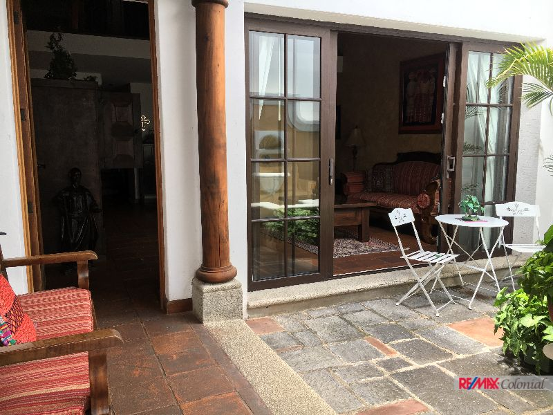 4782  NICE APARTAMENT FOR SALE DOWNTOWN OF ANTIGUA GUATEMALA