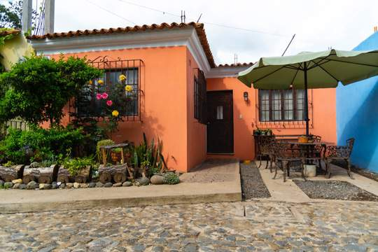 4783 HOUSES FOR SALE IN PASTORES, GREAT OPPORTUNITY
