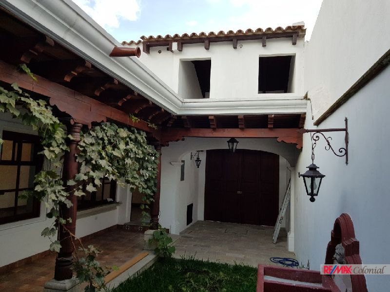 4813 NICE HOUSE FOR RENT CLOSE TO ANTIGUA ( JOCOTENANGO )