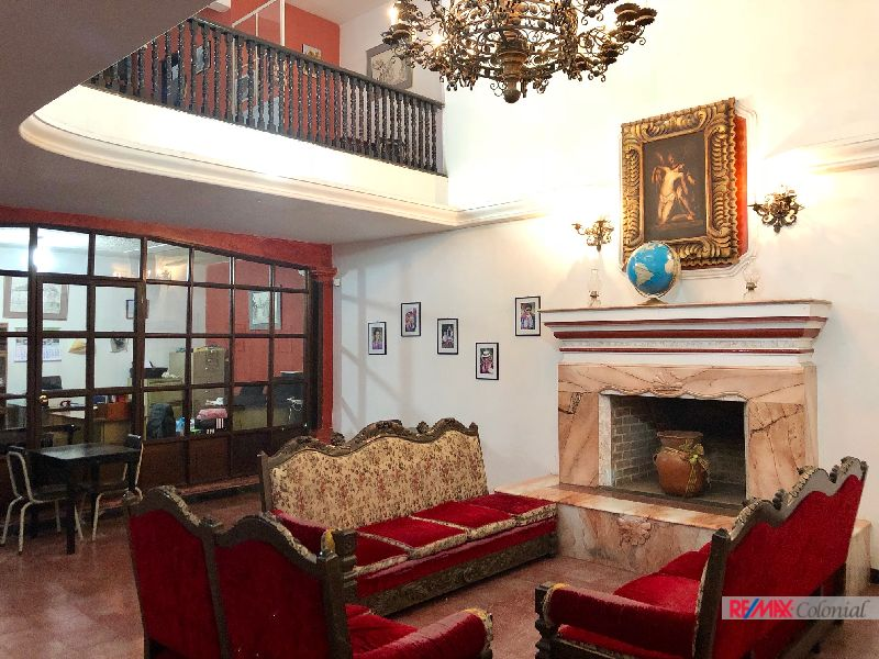 4764 EXCELLENT OPTION FOR SALE IN THE HEART OF ANTIGUA GUATEMALA!!