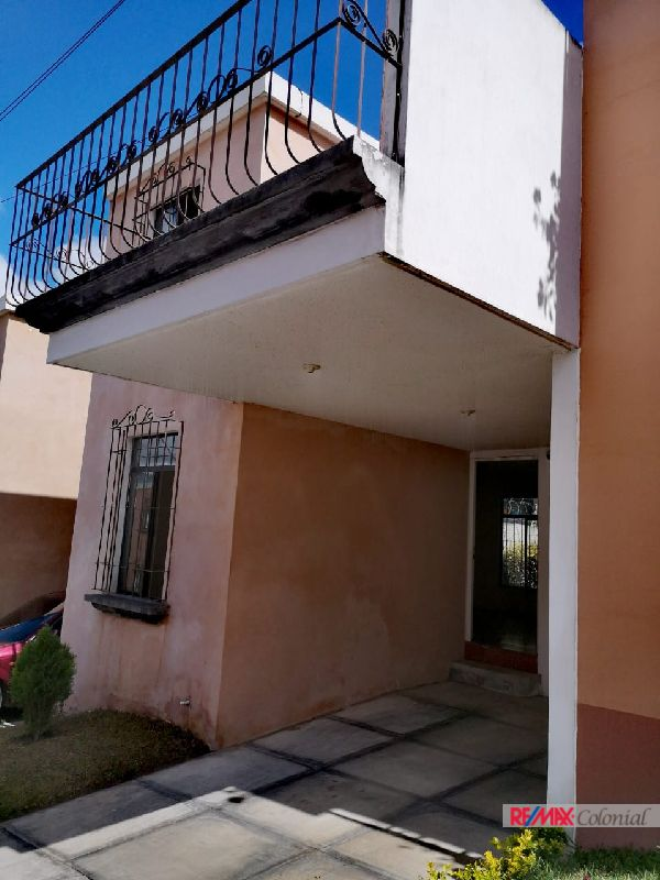 2057  NICE HOUSE FOR RENT IN SAN MIGUEL ESCOBAR