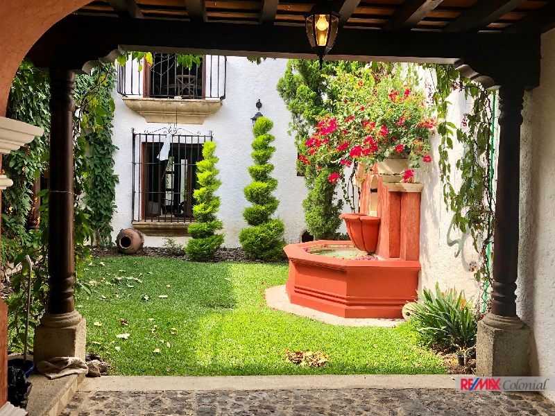 2030 EXCLUSIVE HOUSE FOR SALE IN BEAUTIFUL GATED COMMUNITY IN ANTIGUA (C)