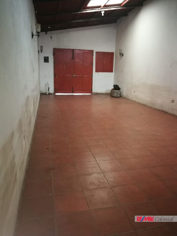 2100 COMMERCIAL SPACE FOR RENT IN ANTIGUA GUATEMALA