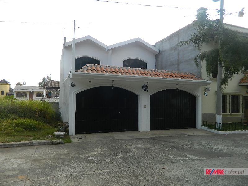4850 HOUSE FOR SALE CLOSE TO ANTIGUA GUATEMALA ( SANTA LUCIA MILPAS ALTAS)