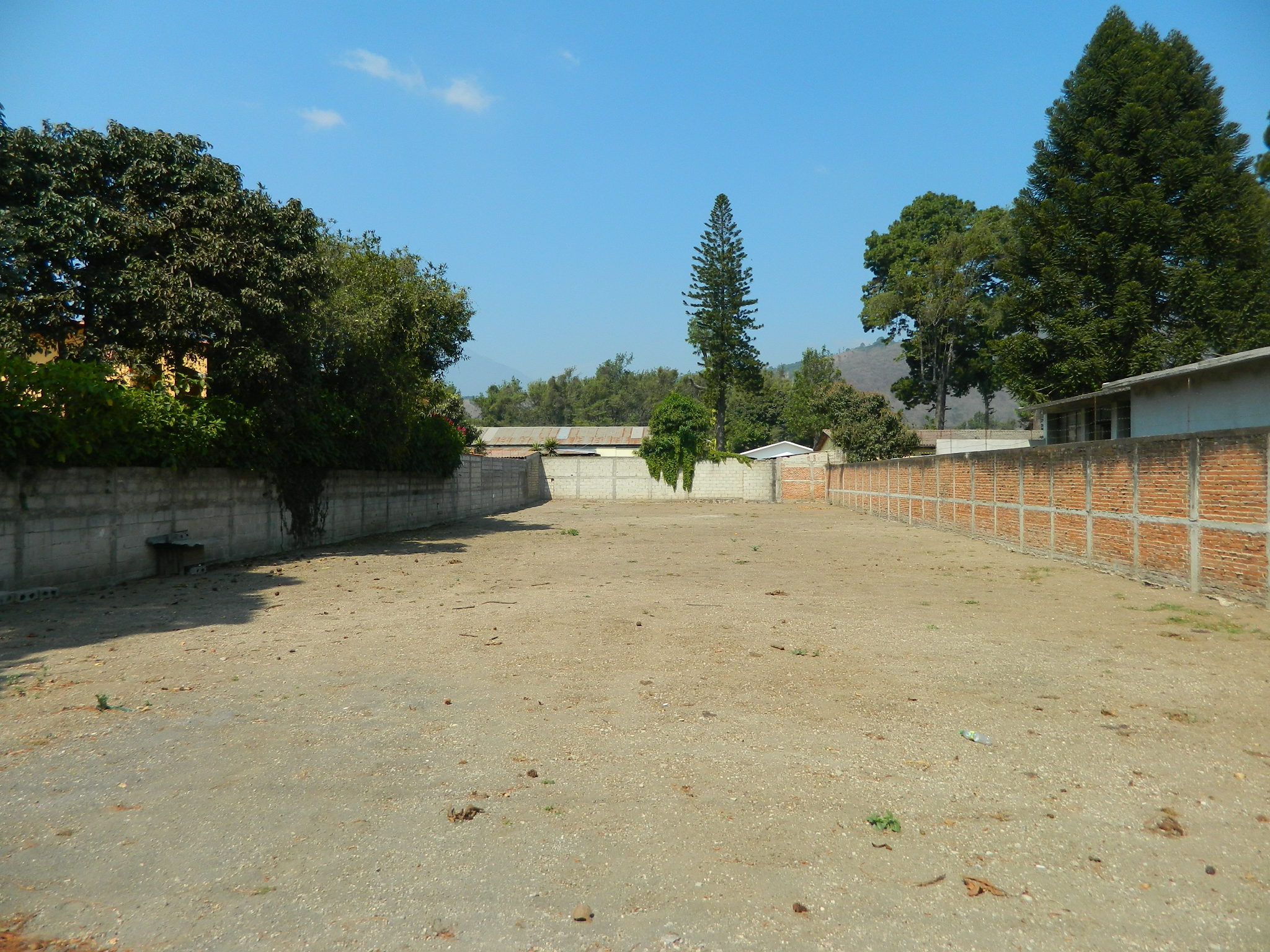 4856 NICE FLAT LAND FOR RENT IN PANORAMA, 1.5KM.  FROM ANTIGUA GUATEMALA.