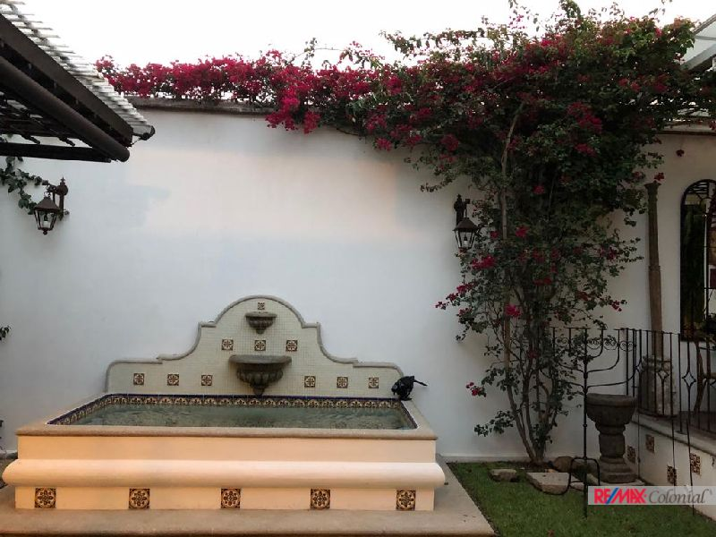 4860 GREAT COLONIAL STYLE HOUSE FOR SALE IN SANTA ANA, JUST 15 MINUTES WALKING FROM THE CENTER OF ANTIGUA GUATEMALA. (As)