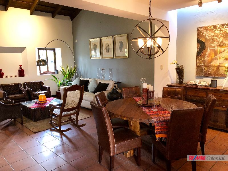 4823 BEAUTIFUL FURNISHED HOUSE FOR SALE IN THE CENTER OF ANTIGUA