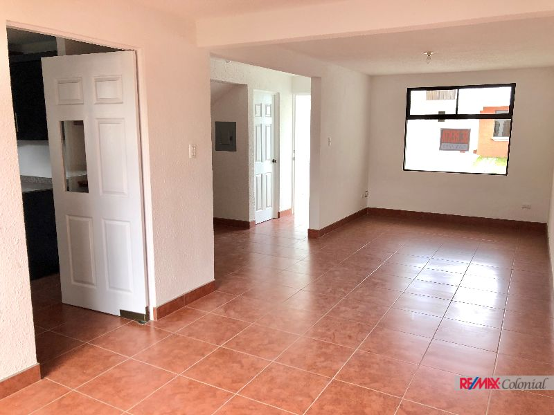 4853 BEAUTIFUL HOUSE FOR RENT IN SANTA LUCÍA MILPAS ALTAS
