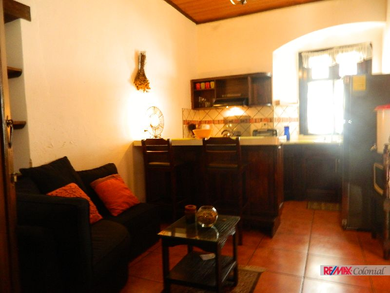 4869  1 BEDROOM APARTMENT CLOSE TO  ESCUELA DE CRISTO CHURCH, ANTIGUA GUATEMALA. (AS)